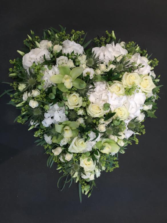 Hjerte begravelse | Birthes Blomster Herning
